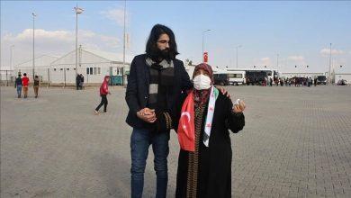 صورة شاهد بعد فراق 8 سنوات.. سوري يلتقي أسرته في تركيا