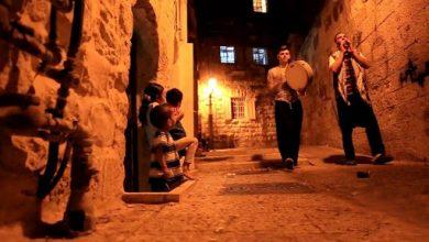 """صورة هيـ.ـئة تحرير الشام تجـ.ـرم """"المسحّـ.ـراتي"""" في إدلب: """"بـ.ـدعة وحـ.ـرام""""!"""