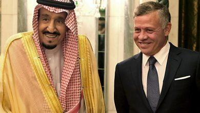 صورة تطور مفاجئ.. عشرات السيارات السعودية الفارهة تصل القصور الملكية الأردنية- ماذا يجري؟