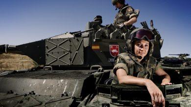 صورة تطورات كبرى.. إسبانيا تستعين بالجيش لمواجهة 5 آلاف مهاجر مغربي