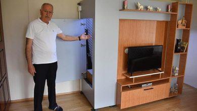 صورة مواطن تركي ينشئ ملجأ للزلازل داخل غرفته يتسع لكامل أفراد عائلته في ولاية إزمير (صور)