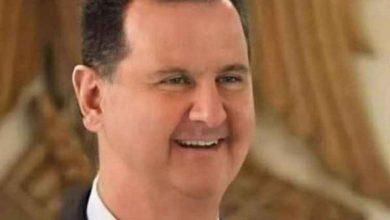 صورة أحد أفراد عائلة الأسد يفتح النـ.ـار على بشار ويصف والده بالديكتاتور