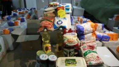 صورة تقديم مساعدات إغاثية مع اقتراب العيد