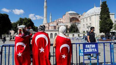 صورة تركيا توجه صـ.ـفعة لأحد المطربين الموالين للأسد وتمنعه من إقامة حفل في هذه الولاية